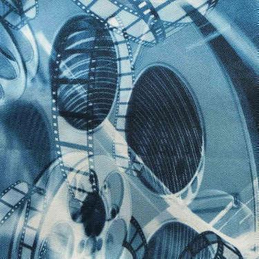 Tissu pour doublure veste sur-mesure motif pellicule film sur fond bleu